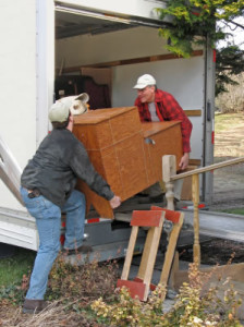 moving-furniture-delivery-service1
